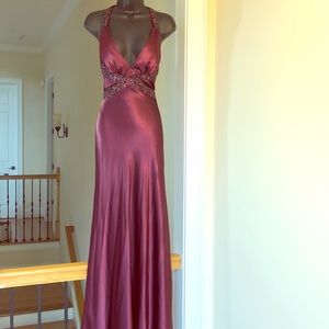 DAVE & JOHNNY 1/2 maroon formal gown prom cruise